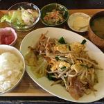 『ひる食堂、よる酒場』という「こまぐら」の野菜炒め定食で吉祥寺ランチ