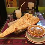 インド料理店「SITAL(シタル)吉祥寺店」のランチでクリーミーなチキンカレーと大きなナンに舌つづみ