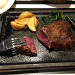 熟成ステーキ専門店「ゴッチーズビーフ 吉祥寺店」がオープンということでランチしてきました