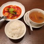 吉祥寺の広東料理店「翠蘭(すいらん)」で薬膳スープを含む夏ランチセットをいただく