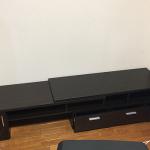 伸縮式のテレビ台「テレビボード WING(ウイング)RX-K1049」をひとりで組み立て設置してみました