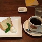 音楽あふれる吉祥寺「Mojo Cafe(モジョカフェ)」で自家製シフォンケーキをいただく