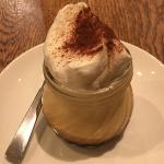 東小金井のカフェ「Dailies Cafe ヒガコ」で卵の味を生かした「三鷹プリン」をいただく