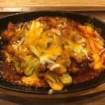 焼肉&韓国料理「一味(ICHIMI)」でサラダバー付きランチ定食でチーズダッカルビをいただく
