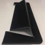 QOLCA の超軽量ノートパソコンスタンドで薄型ノートPC のほどよい傾斜と持ちやすさが実現