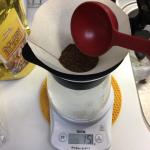 「HARIO(ハリオ)V60 ドリップイン」で粉の量に悩みながら 4人分のコーヒーを淹れてみたレビュー
