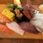 ハモニカ横丁 吉祥寺の寿司屋「片口(かたくち)」で平日限定の「ランチにぎり」をいただく
