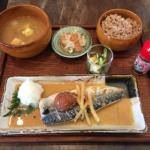 吉祥寺のハンモックカフェ「麻よしやす」がはじめた定食で週替りの「鯖の梅みそ煮」をいただきました
