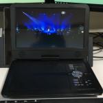 10.5 型液晶のポータブル DVDプレイヤー(APEMAN PV1050)でヒデキのビデオをエンドレス再生
