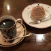 「カフェ ビシュエ」でコーヒーをネルドリップで淹れるマスターの仕事を見ているだけで飽きない