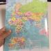 世界地図を印刷したクリアファイル(行政メルカトル A3 CFAM)が国名も国旗も分かってすごく便利