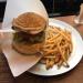 吉祥寺「burger kitchen WAKIE WAKIE」のハンバーガーはとても美味しくてボリューム満点