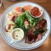 熟成肉が気軽に楽しめるカフェレストラン「PECKISH」の「ペキッシュ デリ プレート」で吉祥寺ランチ